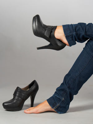 http://stutterrockstar.files.wordpress.com/2011/11/shoes-too-small.jpg